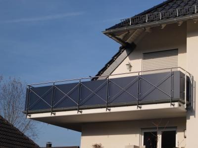 haus wandverkleiduung balkonplatten stegdoppelplatten hohlkammerplatten setzkasten. Black Bedroom Furniture Sets. Home Design Ideas